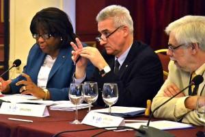 Carissa F. Etienne informa a los ministros de salud sobre la microcefalia y el zika en las Américas