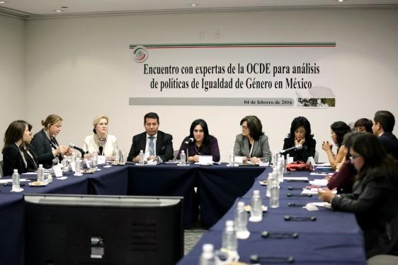 Senadoras y expertas de la OCDE reconocen avances en tema de igualdad de género