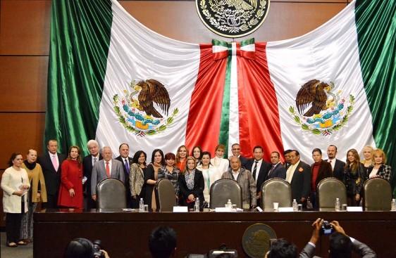 """""""Este espacio nos sirve de reflexión, no tenemos la menor duda, el parlamento trabajará por los derechos de niñas y mujeres de México"""", diputada Angélica Reyes Ávila."""