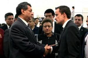 El Director General del Instituto, Mikel Arriola Peñalosa, expresó sus condolencias a la familia, en nombre del Presidente Enrique Peña Nieto.