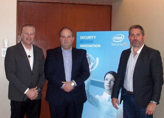 Brett Kelsey, Carlos G. Gonzalez y Fernando Quintero