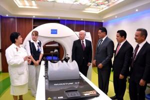 José Narro, Secretario de Salud, inauguró esta área, ubicada en el Centro Estatal de Cancerología