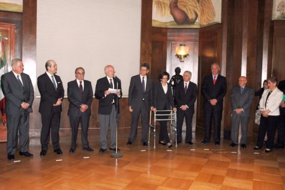 El titular de la Dependencia, doctor José Narro, los exhortó a cumplir las tareas encomendadas por el Presidente Enrique Peña Nieto, ya que el compromiso es velar por la salud de la población.