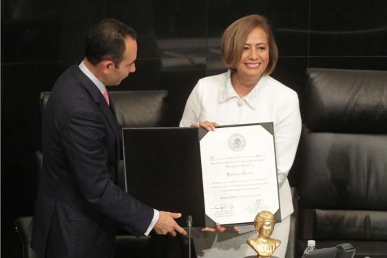 Roberto Gil Zuarth y Rosario Marín