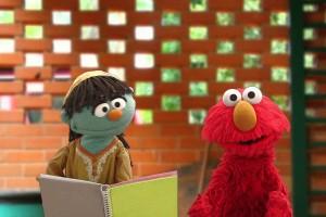 Elmo y Raya de Plaza Sésamo nos informan sobre el zika