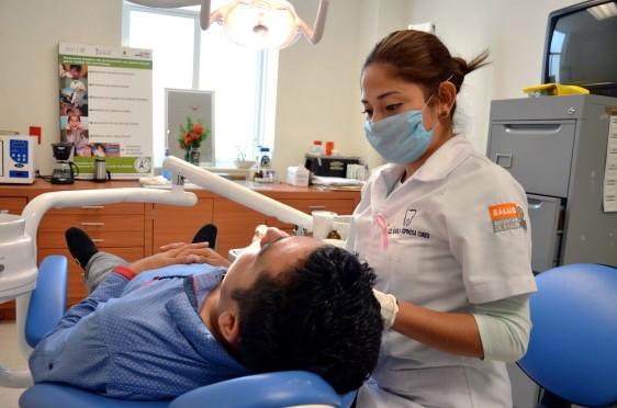 Se capacitó a profesionales de la salud bucal