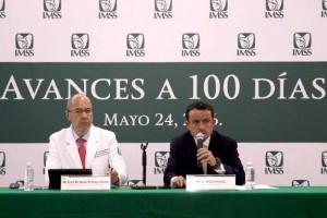 El Director General del IMSS estuvo acompañado por el Director de Prestaciones Médicas, José de Jesús Arriaga Dávila y todo el equipo de directores.