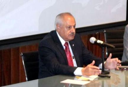 doctor César Athié Gutiérrez