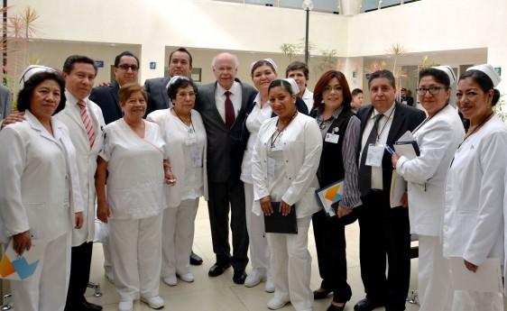 Narro Robles convocó a los directivos y al personal del sector a trabajar por la salud de los mexicanos.