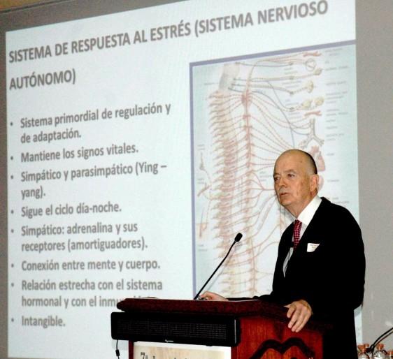 Dr. MANUEL MARTINEZ LAVIN