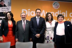 En México el acceso al tratamiento de la esclerosis múltiple es limitado e insuficiente el número de neurólogos para atenderlo, presidente de la Mesa Directiva del Senado, Roberto Gil Zuarth.