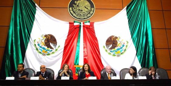 La diputada Maricela Contreras Julián organizó el Encuentro Latinoamericano de Líderes en el Control de Tabaco, en el que participaron Manuel Mondragón y Kalb, titular de la Conadic, así como representantes de la Organización Mundial de la Salud.