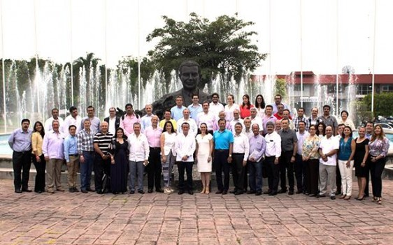 La Dirección General del IMSS y las 25 Unidades Médicas de Alta Especialidad concluyen su Primera Reunión Nacional de Directores.