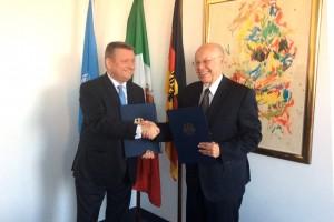 El Secretario de Salud, José Narro Robles, y el Ministro Federal de Alemania, Hermann Gröhe, firmaron la Declaración de Intención Conjunta en regulación sanitaria y mejora de prácticas médicas.