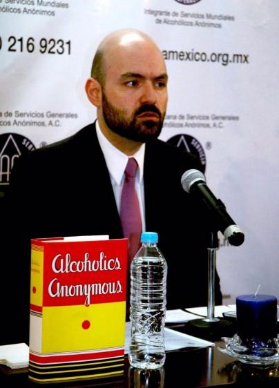 Dr. Roberto Caran Araujo, Presidente de la Asociaccion de Alcoholicos Anonimos