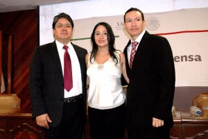Dr Angel Herrera Gomez, Michelle Alejandra Vargas Gaitan y Dr David Isla Ortiz