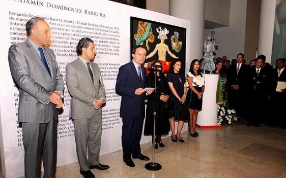 El Director General del Seguro Social, Mikel Arriola, destacó la labor fructífera del autor, por compartir su obra e impulsar la cultura.