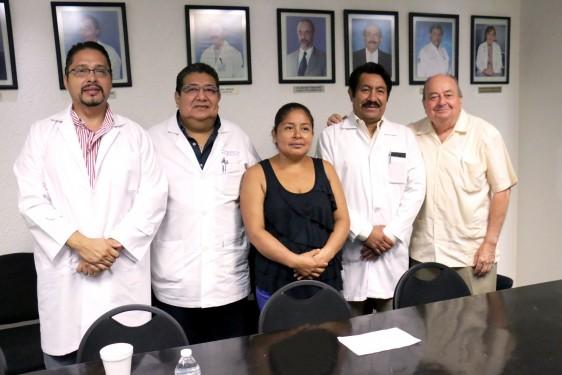 """Un grupo de especialistas  del Hospital Regional de Alta Especialidad """"Dr. Gustavo A. Rovirosa Pérez"""" logró la recuperación de un joven de 23 años de edad"""