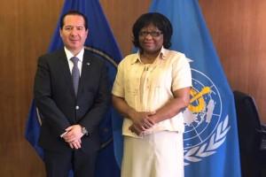 Comisionado Federal Julio Sánchez y Tépoz con la Doctora Carissa Etienne%2c Directora de la Organización Panamericana de la Salud