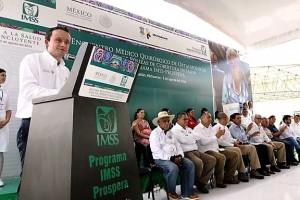 El Director del Seguro Social, Mikel Arriola, y el Gobernador de Michoacán, Silvano Aureoles, clausuraron el Encuentro Médico Quirúrgico de Oftalmología.