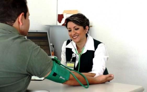 1,821 consultorios y 247 Unidades de Medicina Familiar en 34 delegaciones del Seguro Social ofrecen servicio los sábados y domingos.