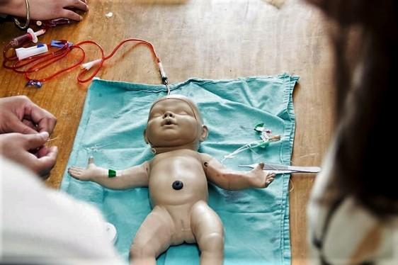 Se lleva a cabo el Curso taller: Terapia de Infusión Segura en el Paciente Neonato.