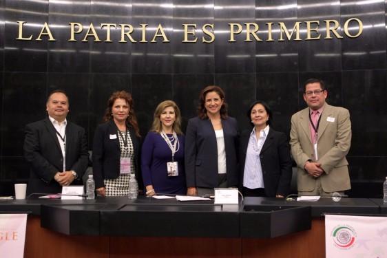 Al acto de inauguración también asistió la diputada Rocío López Gorosave, de Baja California; Gerardo Yáñez Zazueta, director de enlaces interinstitucionales del Instituto Nacional de la Economía Social (INAES); y José Guadalupe Armenta Martínez, coordinador general de la Alianza Cooperativista Nacional.