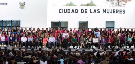 Tienen las mujeres de México, en el Presidente de la República, a un acompañante invariable y solidario de su esfuerzo, de su trabajo, de su compromiso con México y con sus hijos, señaló.