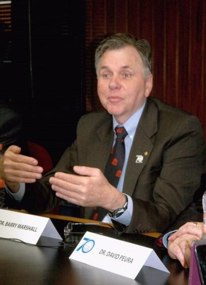 Conferencia de Prensa en el Instituto Nacional de Ciencias Medicas Salvador Zubiran Prof. Barry Marshall