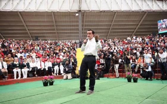 El Director General del Seguro Social, Mikel Arriola, aseguró que estos encuentros continuarán para cumplir el encargo del Presidente Enrique Peña Nieto, de llevar a los mejores médicos del Seguro Social a todos los rincones del país.