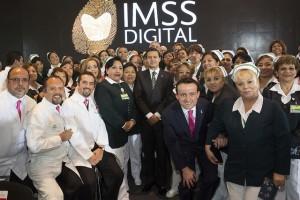Dio instrucciones a su Director General, Mikel Arriola, de seguir consolidando el proyecto de IMSS Digital, ya que depara un servicio más eficiente para la población, afirmó el Presidente de la República, Enrique Peña Nieto.