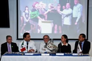 En la conferencia prensa estuvieron la delegada de la Delegación Tlalpan, Claudia Sheinbaum; el director de la Facultad de Medicina de la UNAM, Germán Palafox, así como Alberto Ávila Funes, jefe del servicio de geriatría del INNSZ.