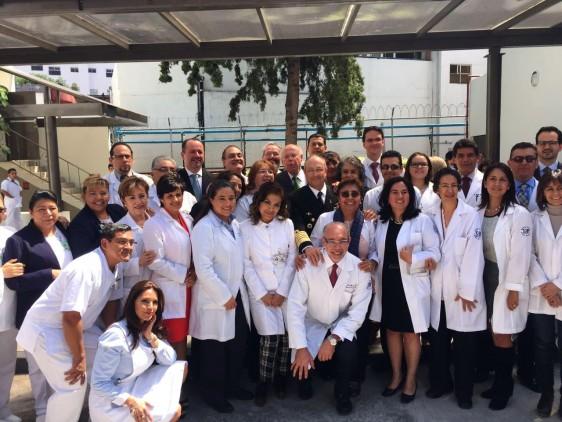 """""""Este ha sido un hospital al que mucho de nosotros hemos referido a pacientes, este es un hospital al que hemos referido a familiares, como una muestra de confianza y de certeza de que aquí se atiende bien a la gente"""", Dr.Narro Robles."""