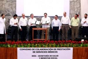 El titular del IMSS, Mikel Arriola, y el gobernador de Colima, José Ignacio Peralta Sánchez, firmaron Convenio que inicia con el Acelerador Lineal que tiene el Estado para detectar cánceres.