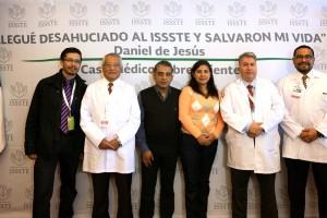 Equipo multiprofesional de especialistas médicos lo sacaron adelante en el Hospital Regional de Alta Especialidad de Tultitlán realizándole 18 cirugías.