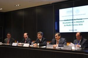 A la presentación de la ENSANUT MC 2016 también asistieron los directores generales de Epidemiología, doctor Cuitláhuac Ruiz Matus; y de Promoción de la Salud, doctor Eduardo Jaramillo Navarrete.