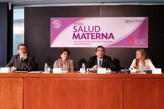 México registra una tasa de 46% de cesáreas, cuando la Organización Mundial de la Salud apunta que no hay justificación para superar el 15%.