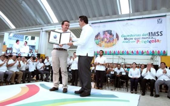 Campeche se convirtió en el onceavo estado de la República que otorgará educación preescolar a menores de entre 3 y 4 años de edad en guarderías del Seguro Social.