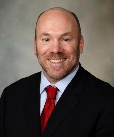 Dr. Mark A. Frye, presidente del Departamento de Psiquiatría y Psicología de Mayo Clinic