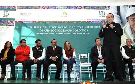 En el Hospital General de Zona número 194 de Naucalpan, Estado de México, el Director General del IMSS, Mikel Arriola, celebra la acción preventiva de salud de las mujeres mexiquenses y reitera la necesidad de que México transite de un modelo curativo a uno preventivo ante el embate de los males crónicos.
