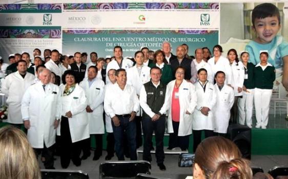 """Aseguró que con el Programa """"Tu Receta es Tu Vale"""" se garantiza el abasto de medicamentos en la zona oriente de la entidad."""