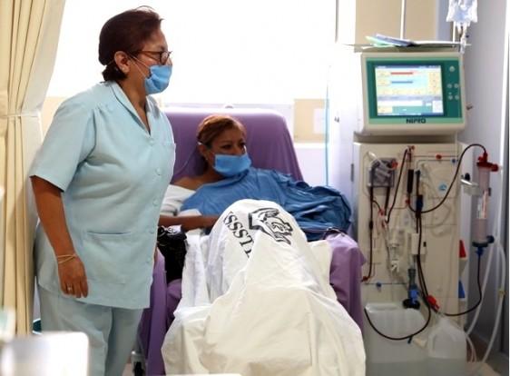 Representan un alto costo financiero para el ISSSTE. Reyes Baeza insta a cambiar el modelo de salud de curativo a preventivo. El Instituto emite recomendaciones de salud en el Día Mundial del Riñón. El 50% de diabéticos no tomaron medidas preventivas.