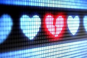 De 9 pacientes adultos con zika y sin historial previo de enfermedad cardiovascular, 8 desarrollaron un problema del ritmo cardíaco y el 66% presentó pruebas de insuficiencia cardíaca.