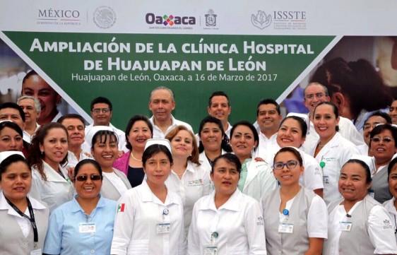 En Oaxaca, entregó la ampliación de la Clínica Hospital, con una inversión de más de 55 millones de pesos. Cuenta con nuevo mastógrafo, otro quirófano y 30 camas.
