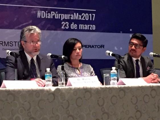 De izquierda a derecha  Dr. Mario Alonso-Vanegas. Neurocirujano y Presidente de CAMELICE, Norma Hernández, presidenta de la Asociación Mexicana de Epilepsia en Niños y Adultos AMENA y Omar Márquez, Gerente de Sistema nervioso Central de Armstrong
