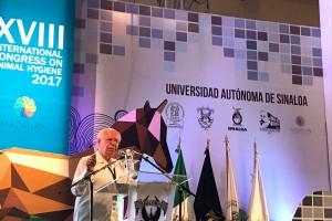El Secretario de Salud, José Narro Robles, dictó la conferencia magistral en la inauguración del XVIII Congreso Internacional de Higiene Animal