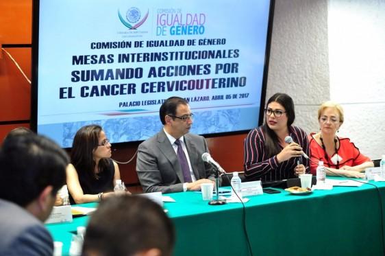 Se solicita contemplar un monto específico para que el Instituto Nacional de Cancerología cuente con un programa para la atención de pacientes con cáncer de cérvix en etapas avanzadas.