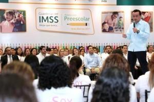 El Director General del IMSS, Mikel Arriola Peñalosa, anunció la apertura de tres guarderías que se suman a las 73 ya existentes, en beneficio de las madres trabajadoras.