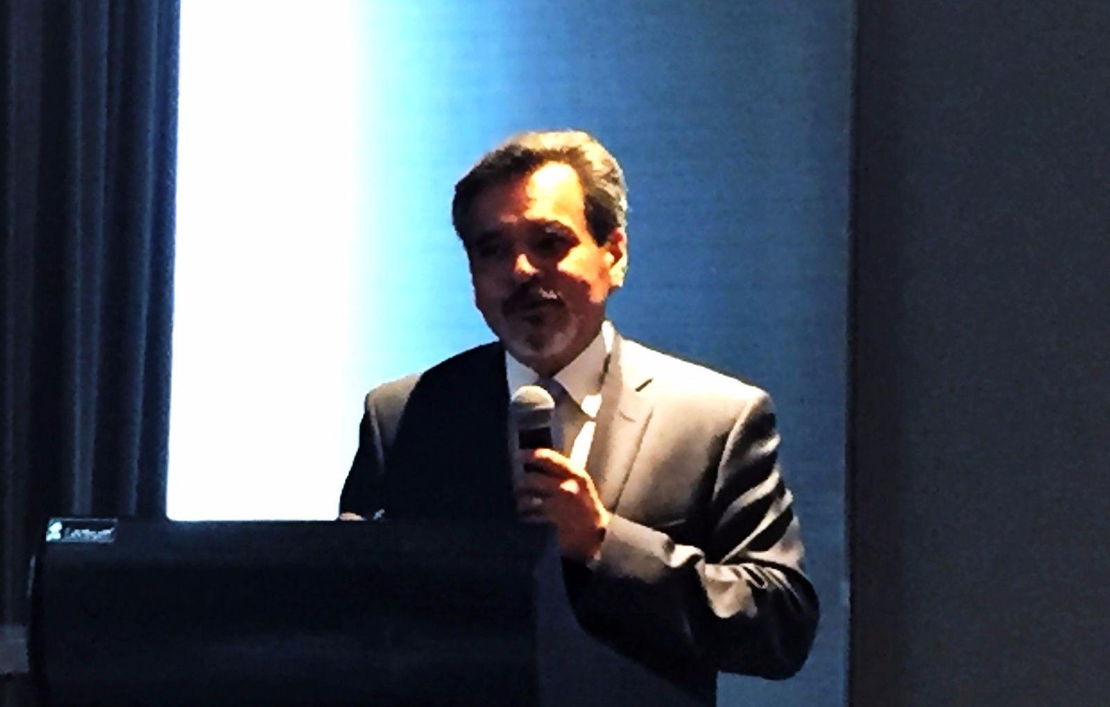 Dr. Enrique Chávez León
