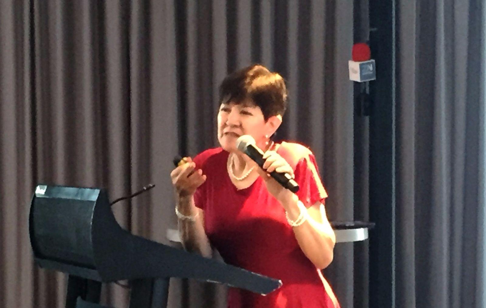 Dra. Martha Ontiveros Uribe; Atención a Médicos Residentes de la Asociación Psiquiátrica Mexicana.
